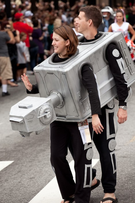 photot credit: http://mashable.com/2014/10/09/halloween-costumes-you-can-create-from-cardboard/